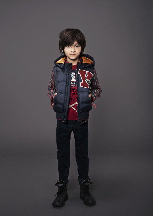 Vêtements enfant ikks : Doudoune sans manches, et jean slim garçon