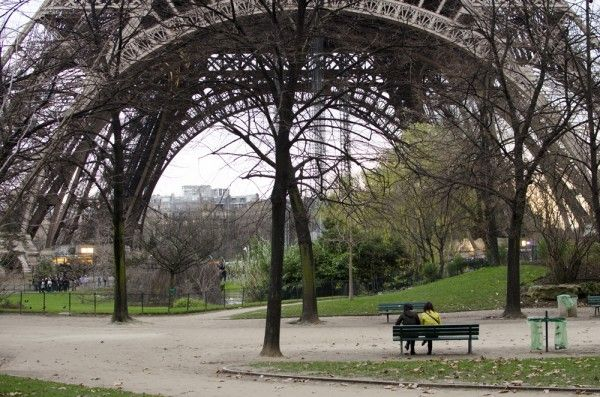 Lovers on Park Bench Eiffel