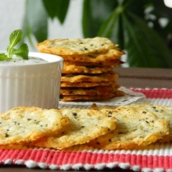 Crispy cheese crackers by Olaahmed