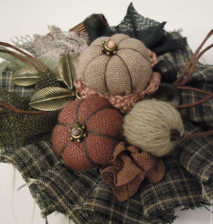 """Купить Брошь """"Осенний урожай"""" - комбинированный, брошь, текстильная брошь, брошь из ткани, брошь с тыковками"""