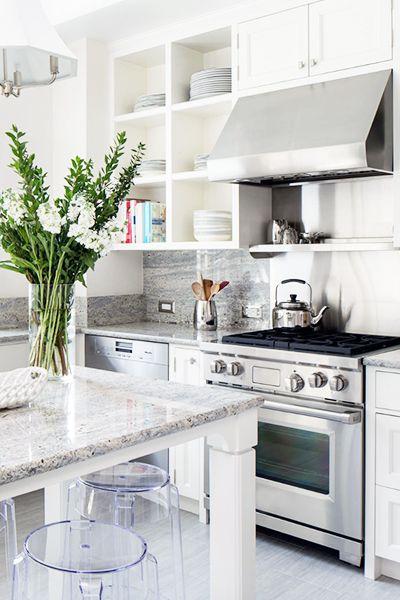 The White Kitchen of your dreams featuring the Proline Range Hoods PLJW109 under cabinet hood. Learn more: prolinerangehoods.com