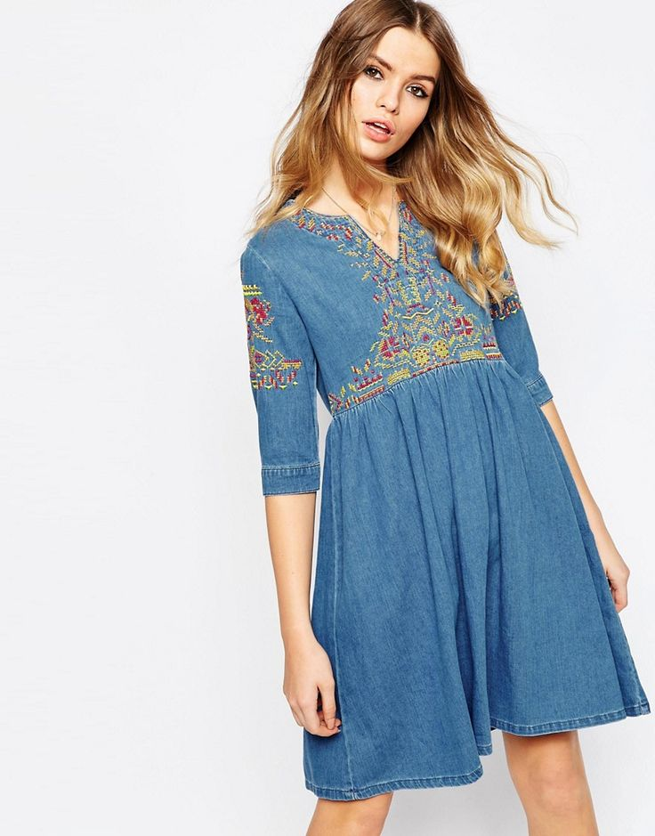 Image 1 - ASOS - Robe tunique brodée en jean - Bleu délavé moyen