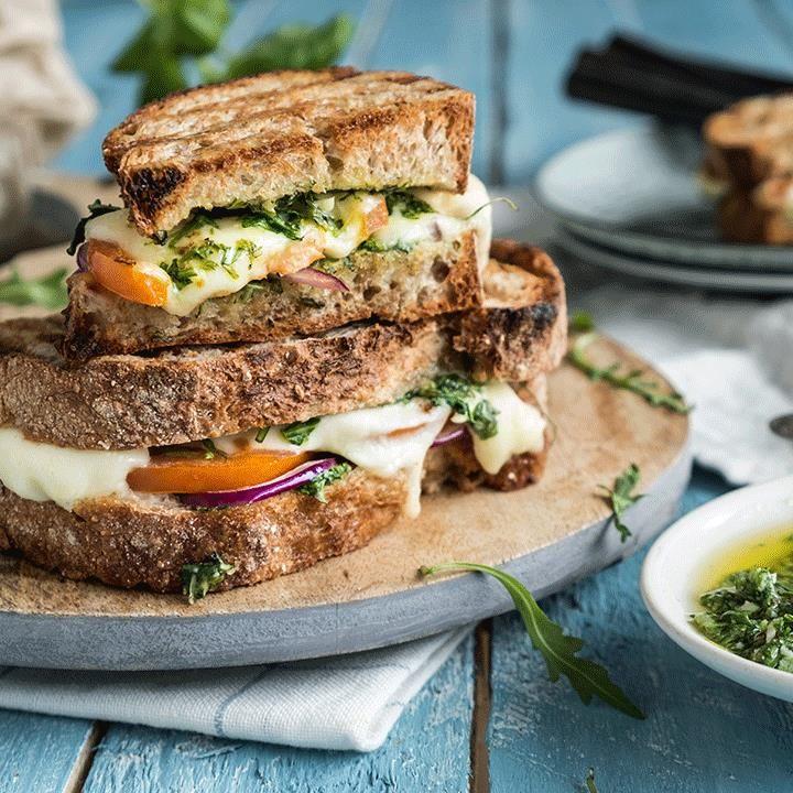 Toast med mozzarella og aioli er billig middag | EXTRA -