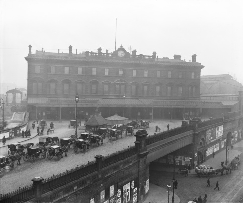 Manchester London Road station and forecourt, 1913