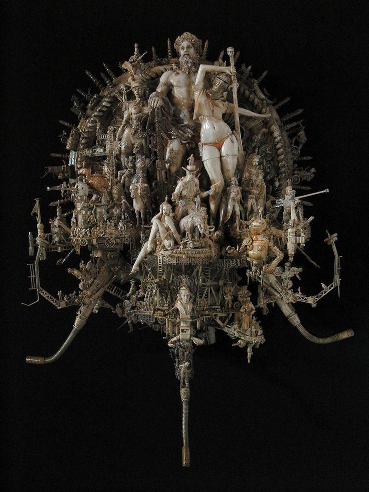 Des objets dénichés dans la rue sublimés en d'extraordinaires sculptures…
