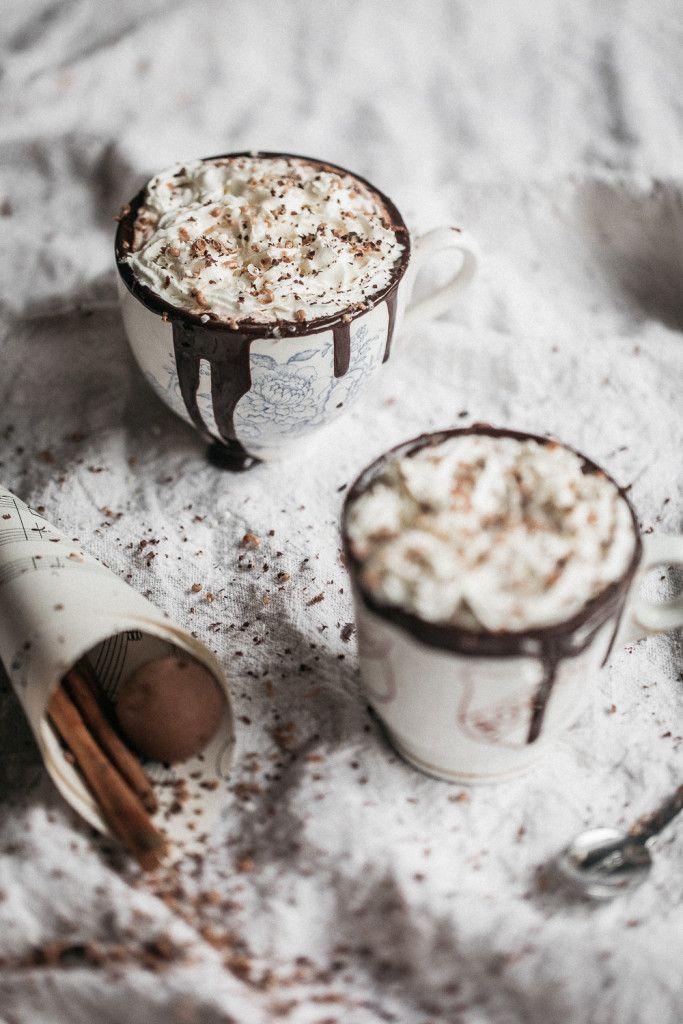 Noir heiße Schokolade, weil, warum nicht? | Anisa Sabet | Die Macadames …   – slurp