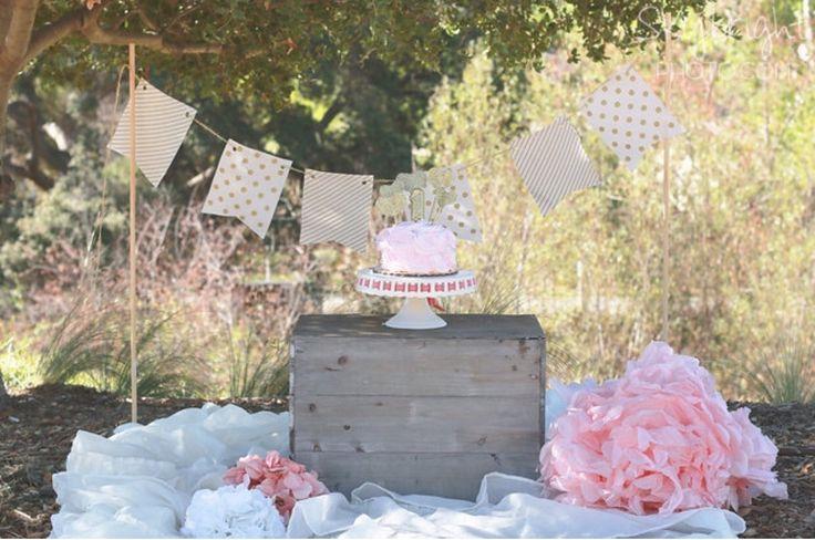 Baby girl cake smash | smash cake | pink and gold | cake smash photo shoot | outdoor cake smash set up www.skybrightphoto.com #skybrightphotography