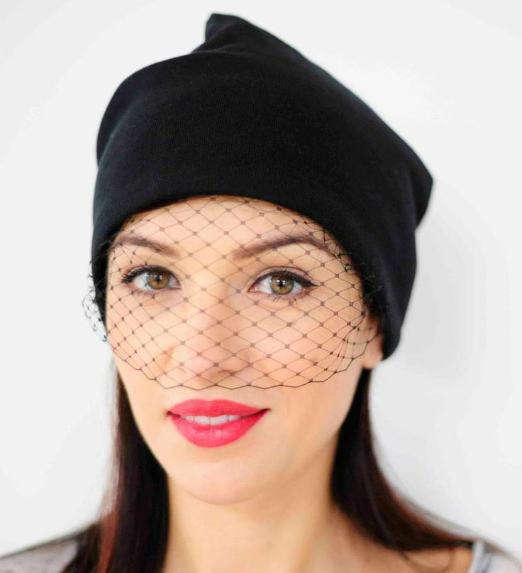 czapka z woalką od Petis