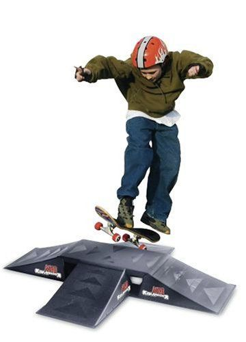 Rampage Set de 4 mini rampes de skateboard + 1 plateforme 60€