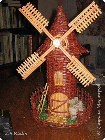 Поделка изделие Плетение Большая ваза и маленькая мельница Бумага газетная Трубочки бумажные фото 7
