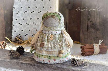 """Народные куклы ручной работы. Ярмарка Мастеров - ручная работа. Купить куколка Девочка с конфетой """"Фисташковая"""".. Handmade. Бежевый"""