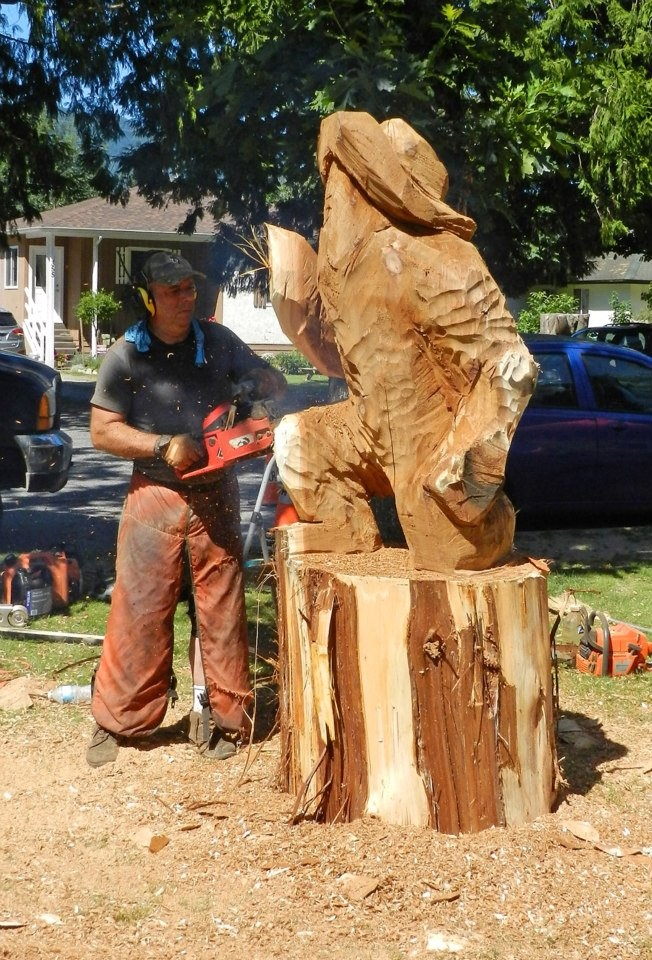 World class chainsaw carving competition ken sheen