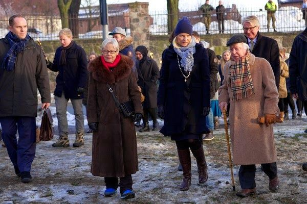 Crown Princess Mette-Marit and the last living survivor of the Norwegian Jews who were deported to Auschwitz Samuel Steinmann attended the Holocaust Remembrance Day in Oslo.