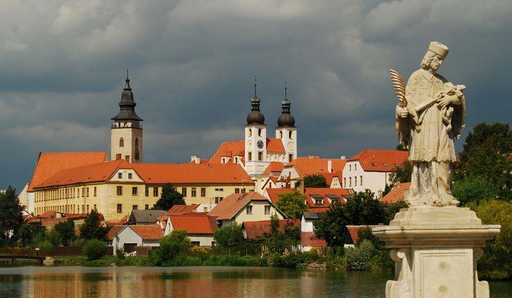 Telc vista dal fiume - Moravia http://www.italyandeuropetours.com/italyandeuropetours/listing/among-the-moravian-castles/