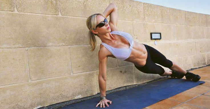 Эти упражнения для тех, кто вечно занят и не может выделить пару часов на посещение фитнес-клуба. Планка хорошо тренирует пресс, а также задействует мышцы плечевого пояса и ягодиц. Мы перебраливс…