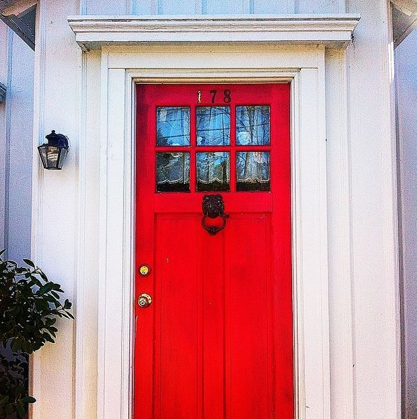 The front door that ALWAYS makes a statement.
