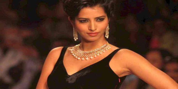 """Top News: """"INDIA POLITICS: Manasvi Mamgai Former Miss India And Donald Trump Supporter To Perform With Bollywood Celebrities At Trump Inauguration Ceremony"""" - http://politicoscope.com/wp-content/uploads/2017/01/Manasvi-Mamgai-Former-Miss-India-.jpg - Manasvi Mamgai, former Miss India, who has campaigned for Republican President Donald Trump said Trump is going to be the best-ever US President for India.  on Politics: World Political News Articles, Political Biography: Politic"""