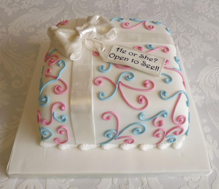 Gender Reveal cake - will it be pink or blue inside?