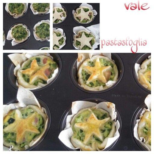 Cestini di pastasfoglia ripieni con crema di zucchine e cubetti di pancetta