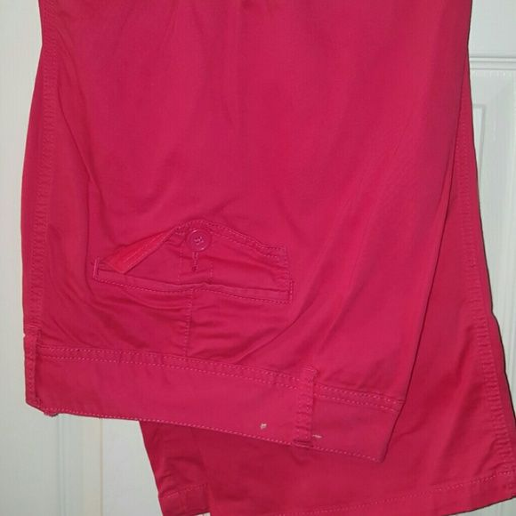 *FINAL PRICE* Plus Size Maurices Coral Capris Gently used Maurices plus size capris. Only worn one time. Coral in color. Maurices Pants Capris