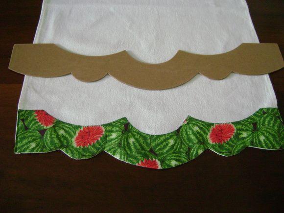 Régua em MDF para você produzir seus próprios barrados em panos de prato, toalhas ou onde desejar. Não acompanha o pano de prato, é uma imagem ilustrativa mas, pode ser adquirido também, veja em nossa página.