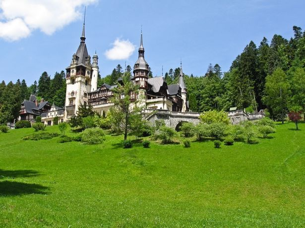 A Christmas Prince S Castle Is Real And You Can Visit It Day Trip Castle Peles Castle