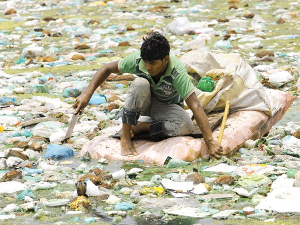 short essay on water pollution in india India has a number of rivers all of which are fed mainly by water from monsoon rains the rivers in india drain a total area of short essay on river water pollution.