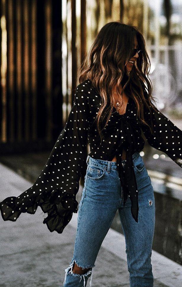 2964efa636d84 Black polka dot top and high waisted jeans Street style, street fashion,  best street