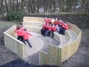 School Library stage ampitheatre seating | Lancashire Telegraph: STAGE STRUCK: Pupils try the outdoor theatre for ...