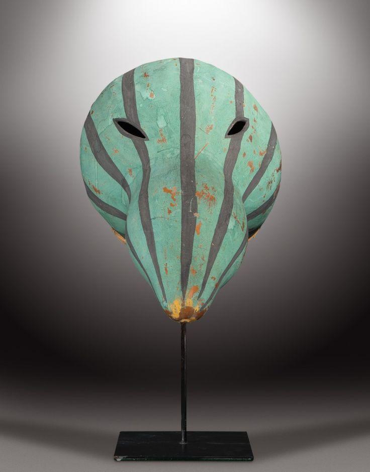 Extraordinaire présentation et vente de masques des indiens Hopis de l'Arizona