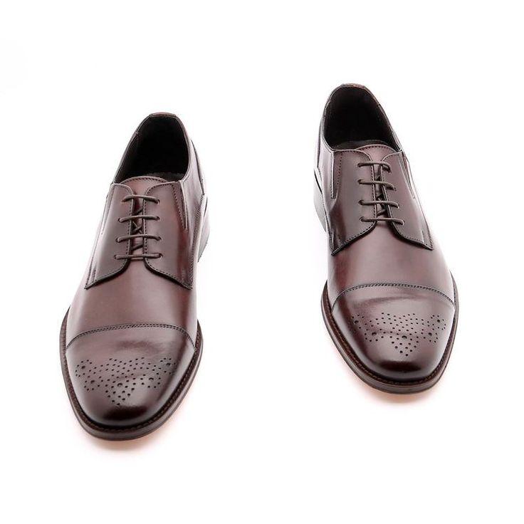 Scarpe primavera / estate per l'uomo, scarpe basse, colore marrone,Design estetico sulla pelle, Suola in cuoio con disegno antiscivolo, in vera pelle, fatto a mano in Italia.