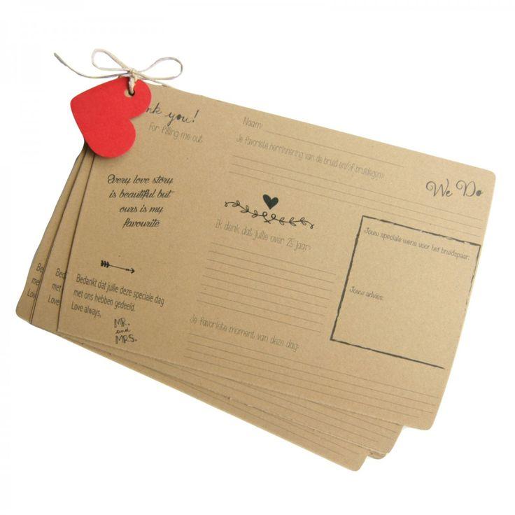 Invulkaarten als alternatief voor het gastenboek. Laat je gasten deze leuke kaarten invullen over jullie de trouwdag. Leuk voor later!