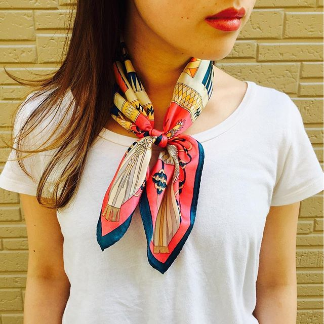 Ik Choices ☝ op kleur punt zijden sjaal ♡ Free Shipping!  Inclusief btw ¥ 3.400 # gina_rosso # Jinarosso #gina_style # mamu_online # mamustyle # sjaal # kraam # lint # Silk # zijden sjaal # bandana sjaal # sjaal regelen # sjaal Corde # sjaal kronkelende # sjaal armband # sjaal riem # bandana # Hair # haar en make-up # make # online winkel # online shop