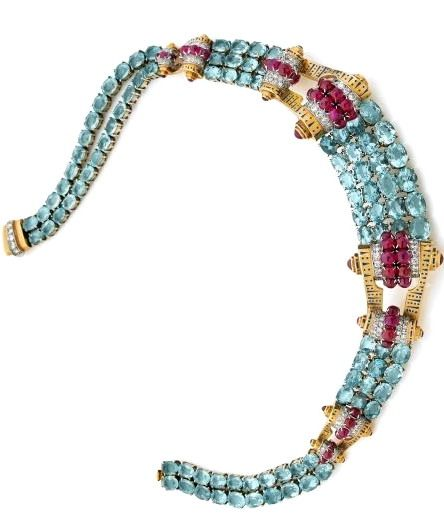 A SET OF AQUAMARINE, RUBY AND 18K YELLOW GOLD JEWELLERY, BY MAUBOUSSIN, CIRCA 1940