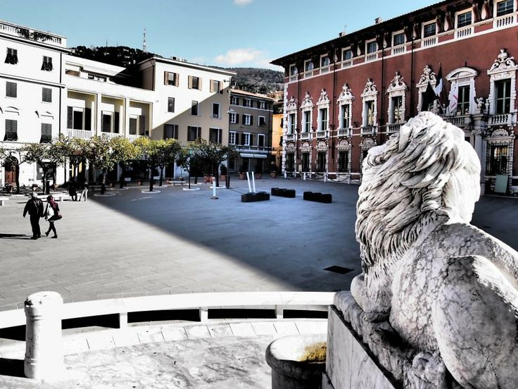 Leone di Piazza Aranci, Massa (Italy). © Valentino Liberto