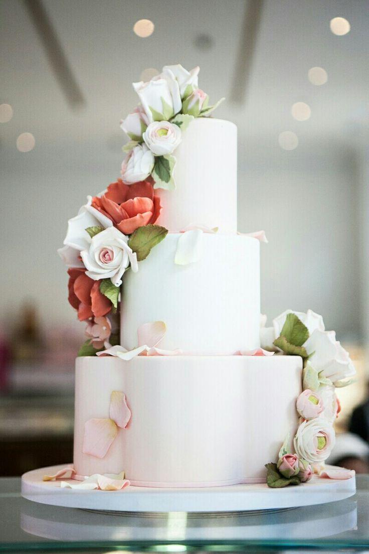 wedding cakes in lagunbeach ca%0A Wedding Cake   Sugar Flowers  California