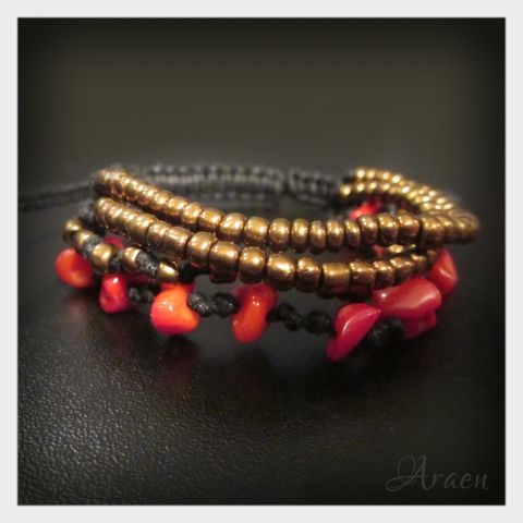 Rustic macrame bracelet with coral by Araen
