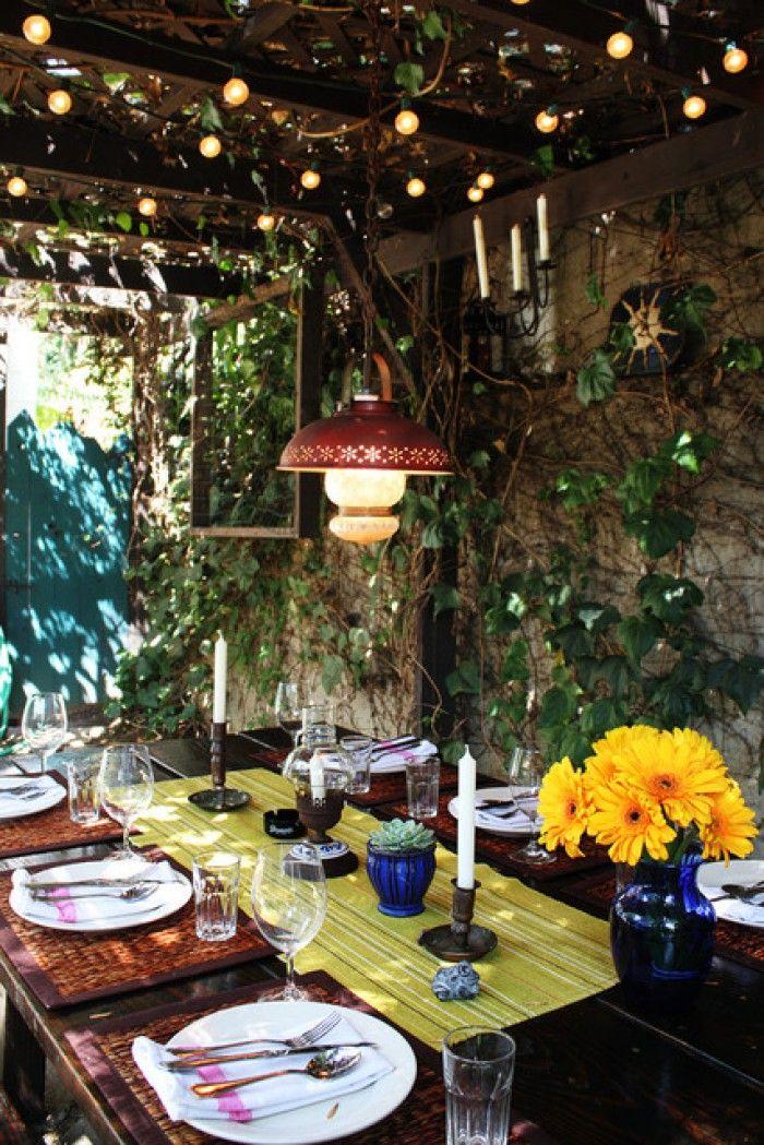 Eet- en zithoek voor in de tuin