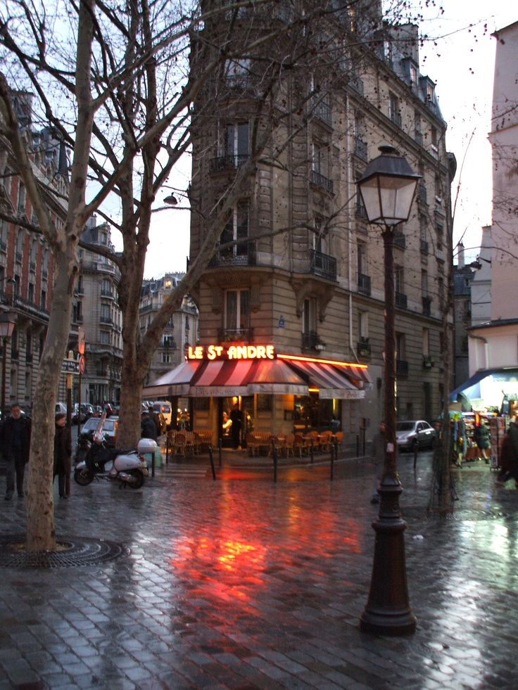 Rainy Day, Paris, France photo via mcx