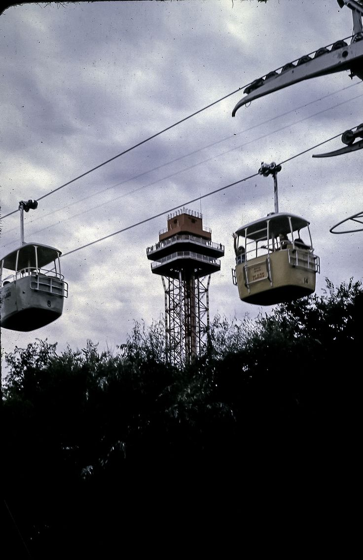 https://flic.kr/p/i9Yrtn | Six Flags Over Texas 1969 | After graduation we had about 6 weeks before having to report to Vance AFB for pilot training, so we took a trip to Six Flags in Dallas, then on to Baytown.