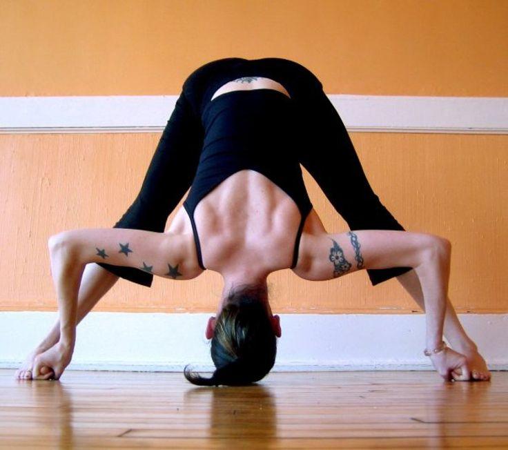 El equilibrio entre las energías masculina y femenina es el objetivo de muchas prácticas para el desarrollo de la espiritualidad personal. Hoy proponemos algunas reflexiones sobre el papel del universo femenino en el yoga.