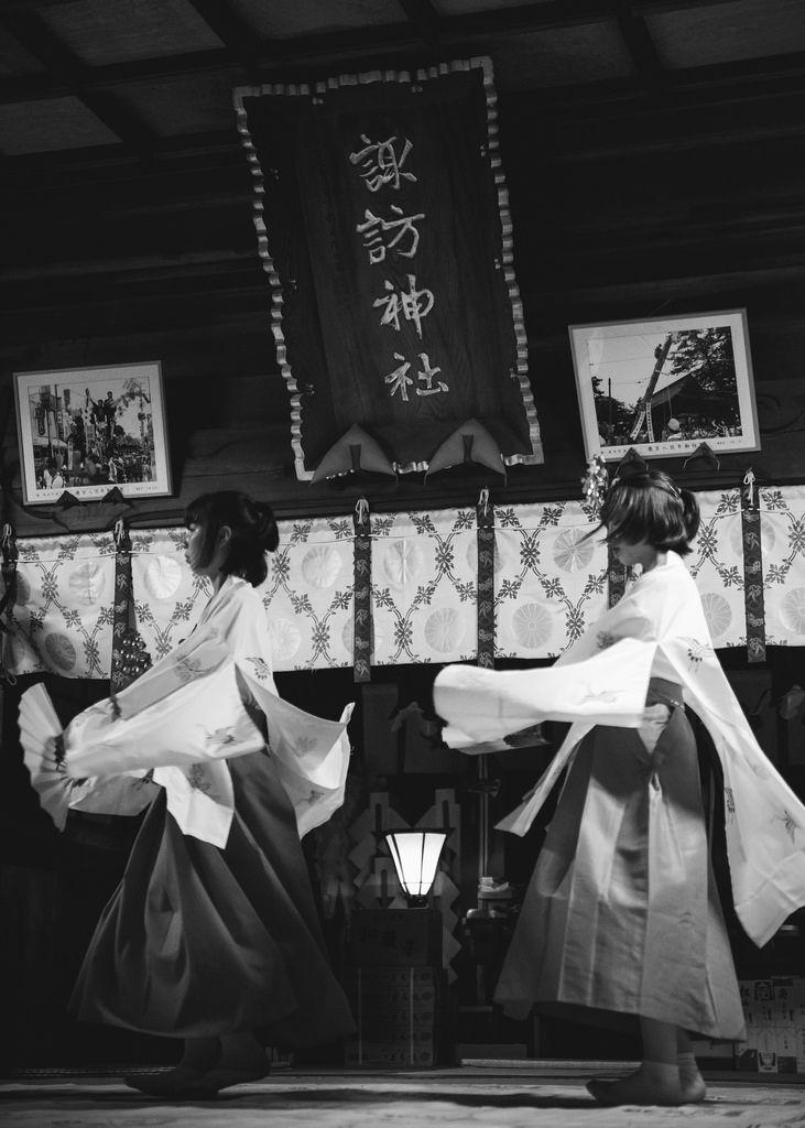 諏訪神社御柱祭〜舞〜 by しゃれこーべ