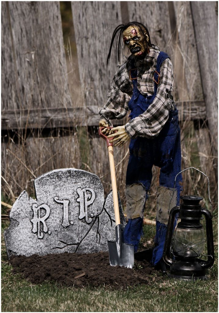 graveyards outdoor halloween decorations - Halloween Props 2016
