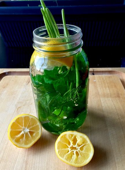 This unbelievably healthy cleansing parsley tea is inexpensive, simple, and so good for you! It's also great for everything from bloating to anxiety!