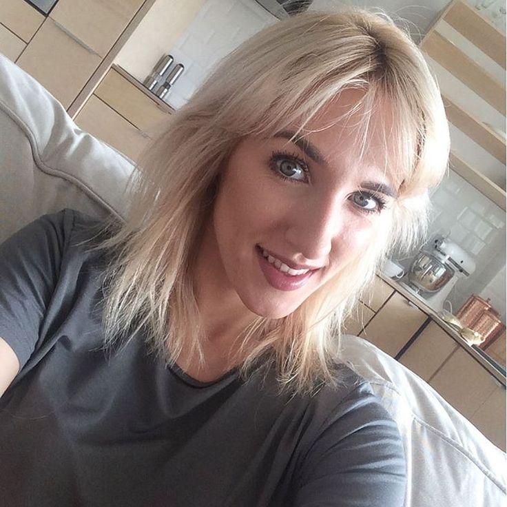 Τα καρέ μαλλιά, που είναι πολύ… της μόδας, αναδεικνύουν μοναδικά το πρόσωπό σας και μπορείτε να ξεχωρίσετε εφαρμόζοντας διαφορετικά styling κάθε μέρα! Δοκιμάστε χτενίσματα που σταματούν στους ώμους προκειμένου να απογειώσετε τη θηλυκότητά σας! http://www.konstantinosxatzis.com/kare-mallia/ #hair