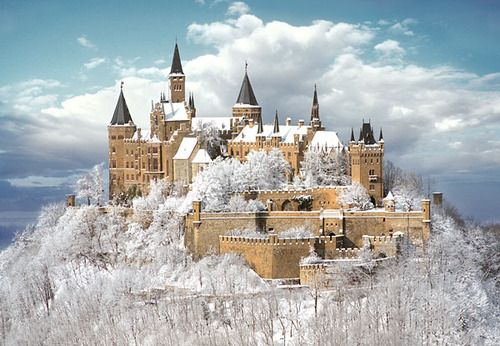 "Snow Frosting, Castle Hohenzollern, Germany  photo via nicol (sieht aus wie ""das Schloss im Himmel!"")"