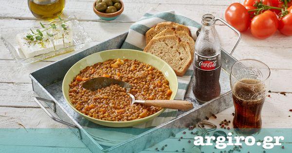 Φακές από την Αργυρώ Μπαρμπαρίγου   Οι φακές σούπα είναι ένα παραδοσιακό και θρεπτικό φαγητό που οι περισσότεροι έχουμε συνδέσει με τα παιδικά μας χρόνια