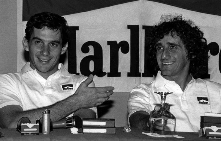 A dupla Senna-Prost durou duas temporadas. Na primeira, a rivalidade surgiu, mas ainda era sadia. Senna venceu oito vezes, Prost ganhou sete. Em toda a temporada, os dois da foto aí em cima só não venceram uma corrida, o GP de Monza (o primeiro colocado foi Gerhard Berger, da Ferrari)