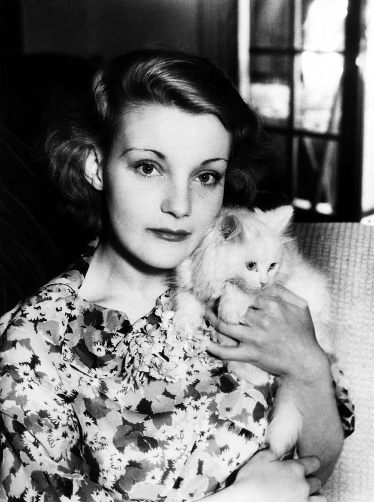 Helen Chandler. The actress was photographed at home with her cat, whom she named Blue Bell, in June 1933. Tumblr