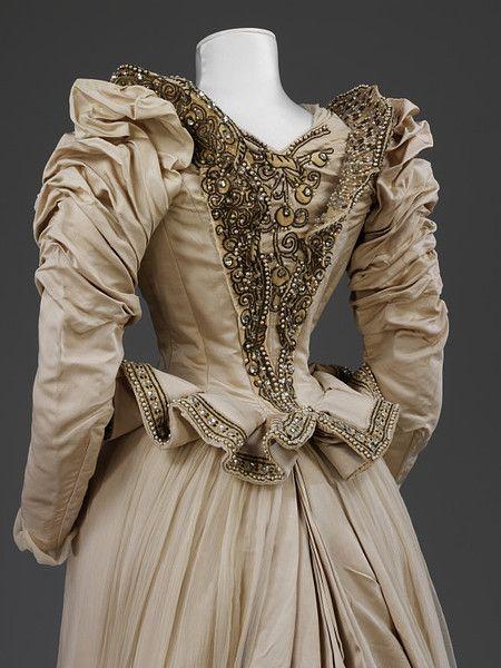 1890 Victorian wedding dress: Shoes, Evening Dresses, Wedding Dressses, 1890 Nyc, Cords Silk, Historical Fashion, 19Th Century, Victorian Dresses, Silk Wedding Dresses